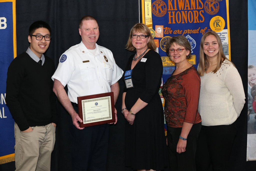 Mike Heston receives community service award